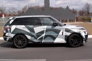 Автомобиль Range Rover Sport RS, дебютировавший месяц назад на автосалоне в Нью-Йорке, находится на стадии разработки.
