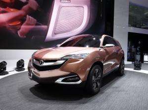 В России все машины Acura будут продавать всего три дилера.