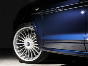 Немецкая компания Alpina на женевском автосалоне представила свой первый кроссовер - XD3, построенный на базе BMW X3 последнего поколения.