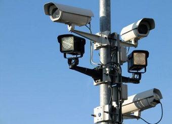 В данный момент на территории Москвы работают шесть сотен камер, а уже к концу текущего года количество видеокамер в столице России увеличится вдвое