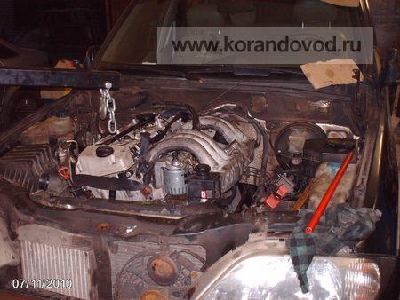 9 - Мотор в моторном отсеке и на подушках