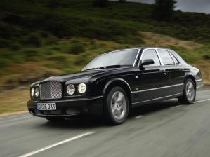 Дмитрий Медведев новых машин не приобрёл и владеет раритетным ГАЗ-21 и ГАЗ-20. У супруги Медведева есть одна машина - Volkswagen Golf.