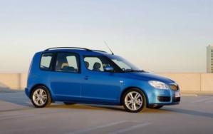 В скором времени чешский автопроизводитель Skoda заменит свой минивэн Roomster на усовершенствованный новый компактный кроссовер. Данная информация последовала от одного из топ-менеджеров автомобильного производителя.