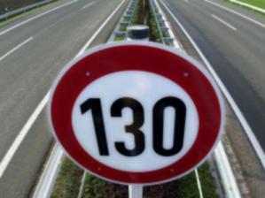 С первого мая 2013 года максимально допустимая скорость равна 130 км/ч.