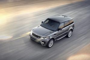Land Rover опубликовал фотогалерею и характеристики одной из самых ожидаемых новинок - одновлённого Range Rover Sport 2014. Новое поколение лёгкого и спортивного Range Rover было подвержено глобальным изменениям.